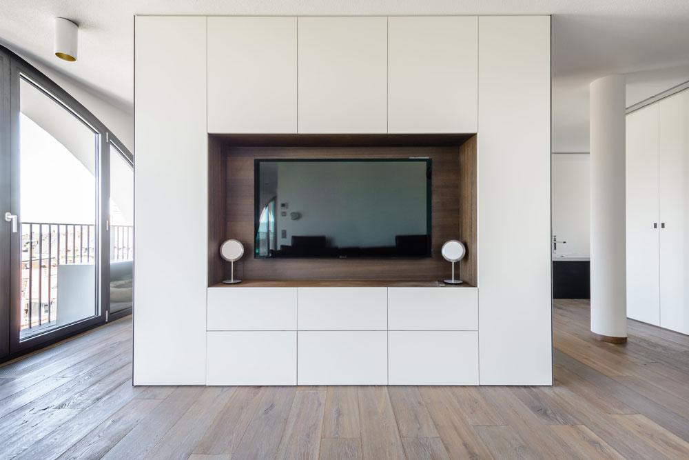 schrank aus massivholz jonny b m belwerkstatt. Black Bedroom Furniture Sets. Home Design Ideas